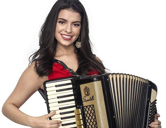 Cantora e multi-instrumentista, Isabela Serpa lança primeiro trabalho autoral